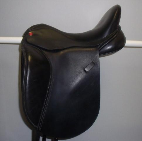 All saddle solutions dressage, 17.5, W, black