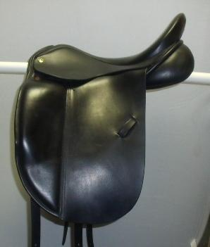 ideal Rowella dressage, 17.5, XW, black