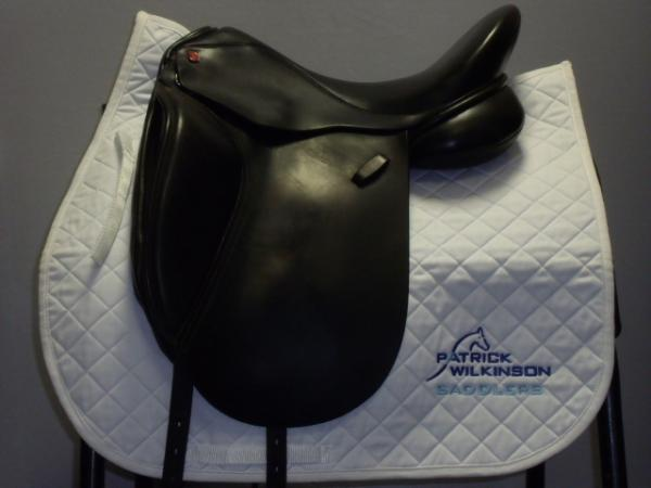 All saddle solutions dressage, 17.5, M, black