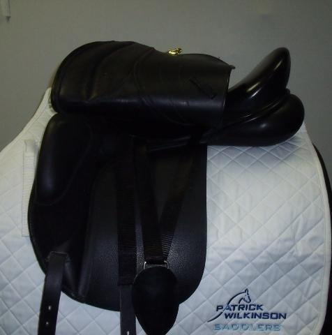 Monarch Dressage, 17.5, , black