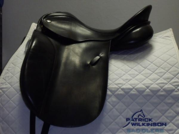 farrington K.N. Dressage, 17.5, MW, black