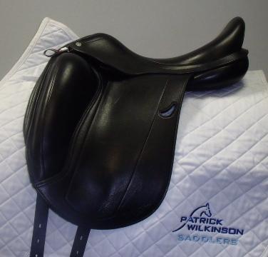 equipe Emporio single flap dressage, 17, W, black