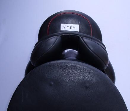 farrington Centreline Dressage, 17.5, M, black