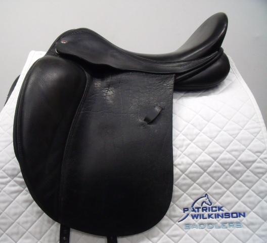 farrington Centreline Dressage, 18, MW, black