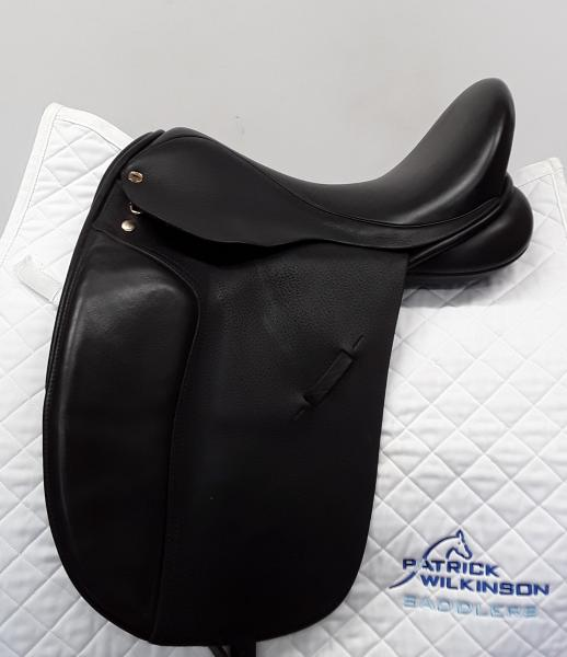 black_country Eloquence Dressage, 17, W, black
