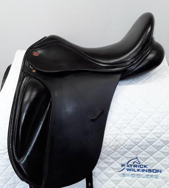 kentandmasters dressage, 17.5, AD, black